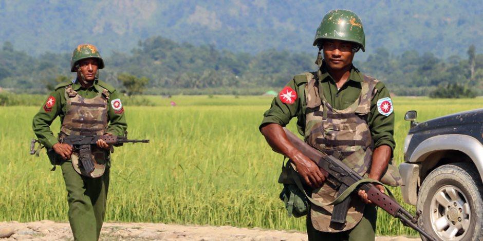 العثور على مقبرة جماعية في راخين البورمية.. والجيش يفتح تحقيقا