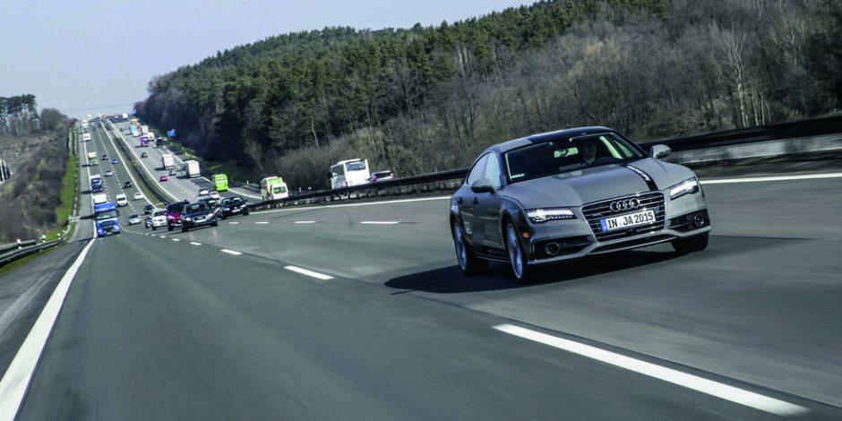 ألمانيا تفكر في السماح لسيارات ذاتية القيادة للسير بشوارعها
