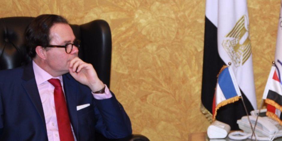 السفير الفرنسي يشيد بجهود مصر في مكافحة «فيروس سي»