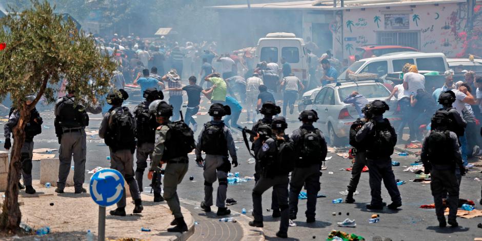 الاحتلال الإسرائيلي يطلق الرصاص وقنابل الغاز داخل مدرسة جنوب جنين