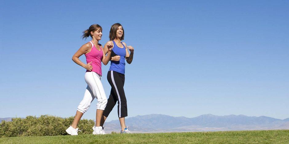 يحسن الحالة المزاجية ويحفز الإبداع.. 4 فوائد للمشي