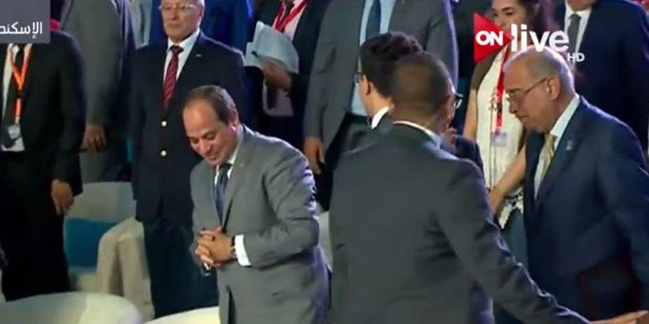 الرئيس السيسي يغادر قاعة مؤتمر الشباب