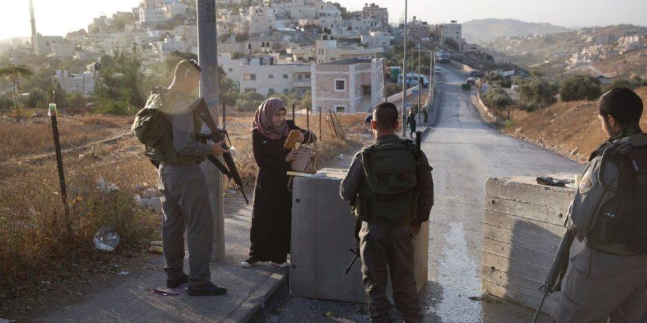 الاحتلال الإسرائيلى يعتقل 13 فلسطينيا فى الضفة.. ويتوغل بشكل محدود شرقي غزة
