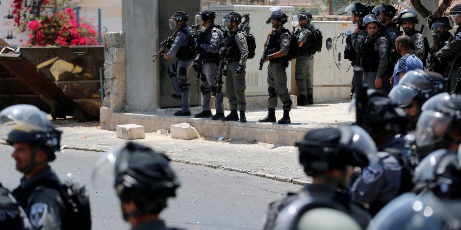 الاحتلال اﻹسرائيلي يقتحم مدرستين جنوب الضفة الغربية