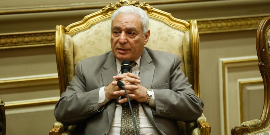 ماذا قال رئيس «دينية البرلمان» عن أخلاق الأسرة المصرية؟