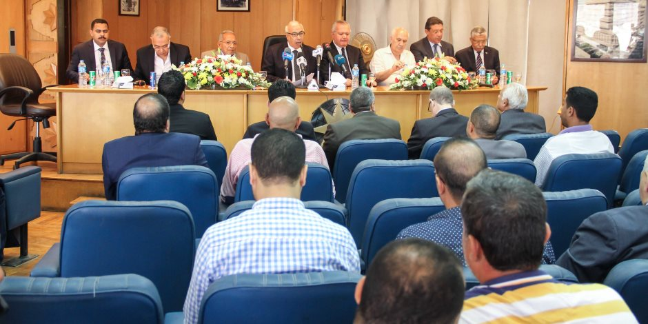 قيادات الأحزاب يشاركون في ندوة لمواجهة المؤامرات استهداف مصر