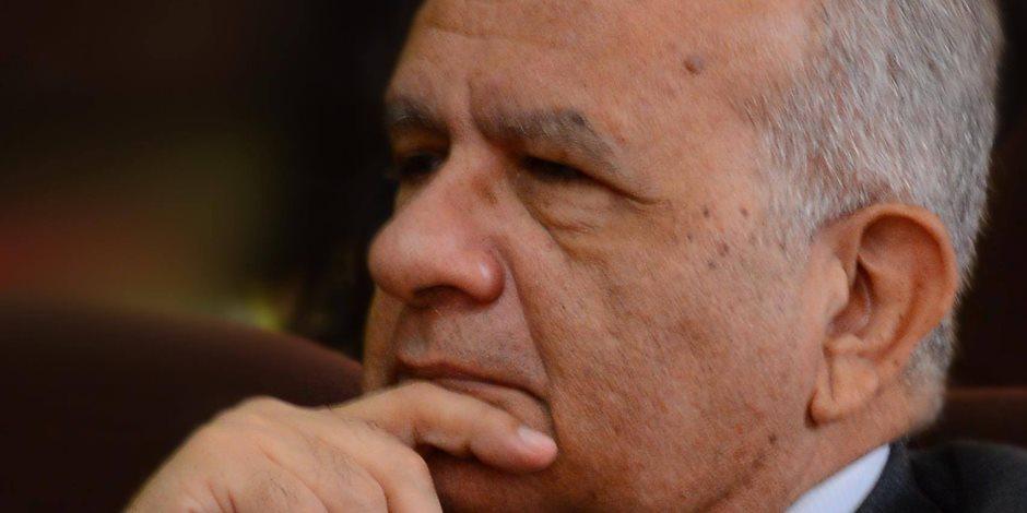 حازم حسني.. أستاذ الكتابات السوداوية لصالح «الإرهابية»