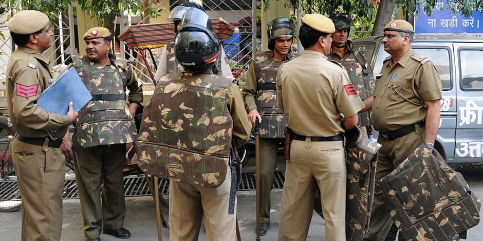 مصرع وإصابة 7 من الشرطة الهندية فى انفجار لغم