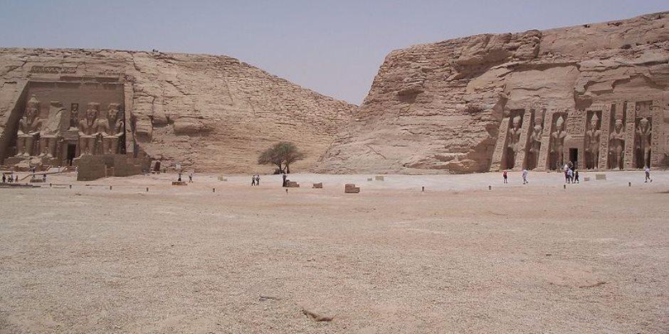 «أبوسمبل» يتزين لمرور 200 سنة على اكتشاف معبده (صور)