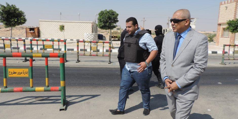 تنفيذ 128 حكما قضائيا وفحص 14 مسجلا خطرا خلال حملة أمنية بمطروح