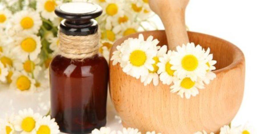 «متلازمة القولون العصبي».. علاج مع شاي الزنجبيل والكاموميل