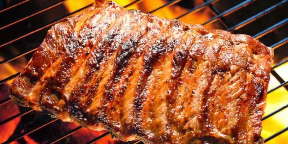 اللحوم المشوية والمثلجات  من ضمن 5 أطعمة تسبب الحموضة في الصيف .. تعرف عليهم