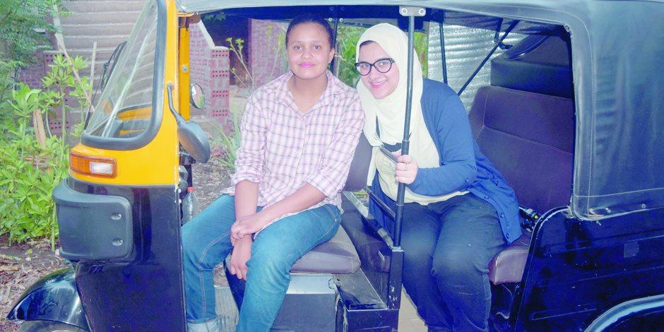 أصغر سائقة توك توك فى مصر: أنا بـ 100 راجل (فيديو وصور)