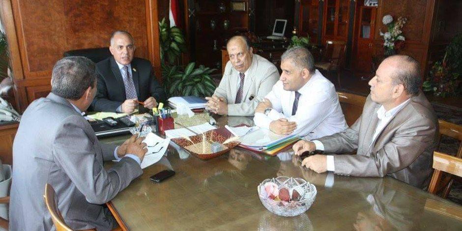 قيادات الرى تناقش مشروع ممشى أهل مصر بعد إزالة التعديات على نهر النيل