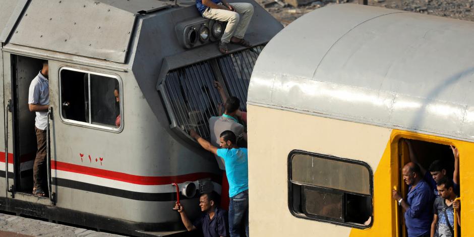 وجود دخان في تابلوه الكهرباء.. القصة الكاملة لحريق قطار «القاهرة - كفر الشيخ»
