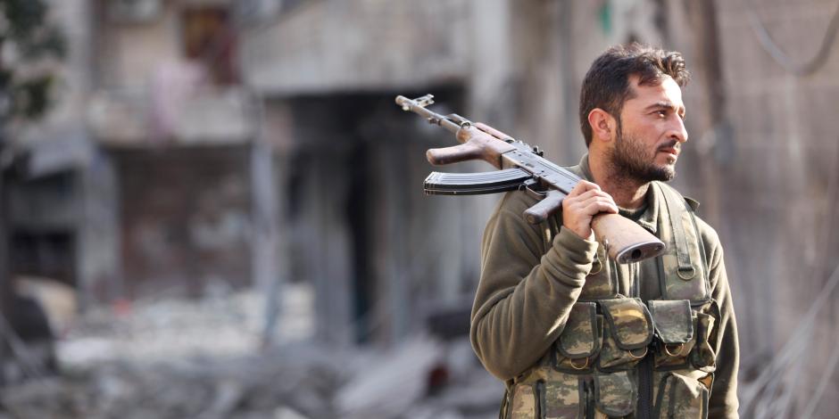 المرصد السوري: القوات النظامية على بعد 25 كم من مدينة الميادين بمحافظة دير الزور