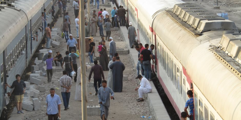 قطار يدهس عامل أثناء عبوره السكة الحديد بالبدرشين