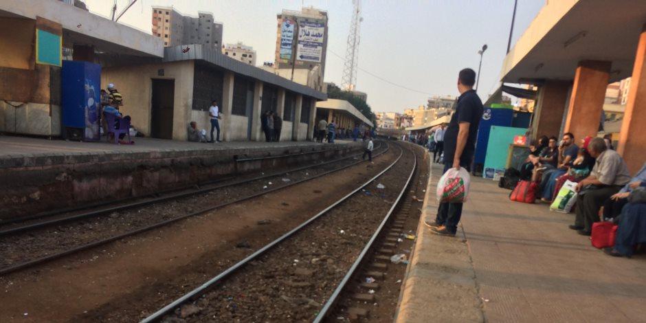 لو بتسافر للجامعة بالقطار كل يوم.. 5 أشياء تعلمها عشان ما تفوتش أول محاضرة
