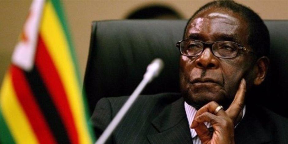 دبابات تتحرك ناحية عاصمة زيمبابوي.. وتوقعات بانقلاب عسكري