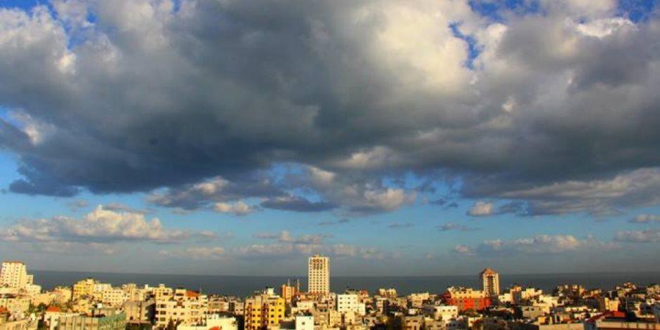 طقس ملبد بالغيوم ورياح محملة بالأتربة تسود محافظة الأقصر