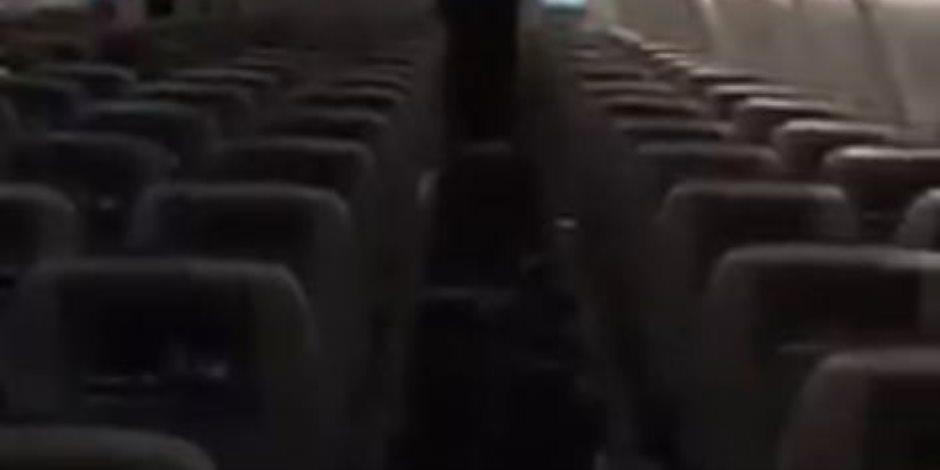 عقب المقاطعة.. رحلة تابعة للخطوط القطرية تقل «راكب واحد» فقط (فيديو)