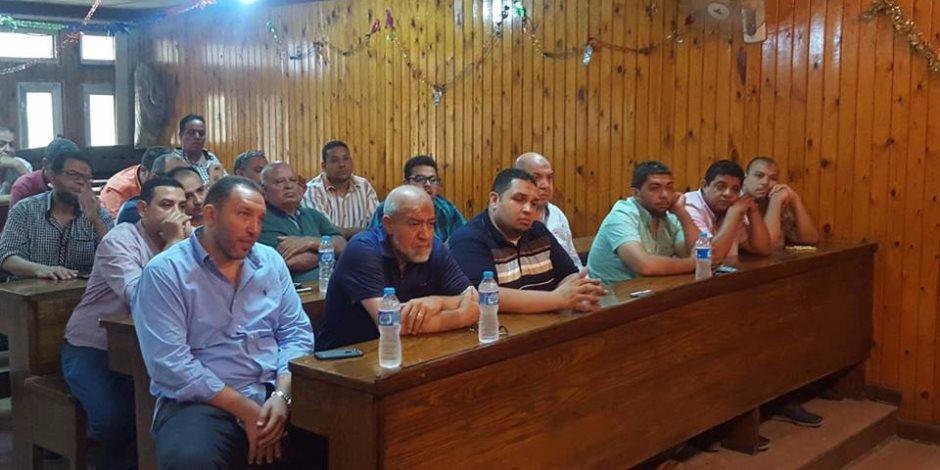 رئيس حي الأزبكية يجتمع مع تجار الفجالة لتشكيل اتحاد شاغلين للمنطقة (صور)
