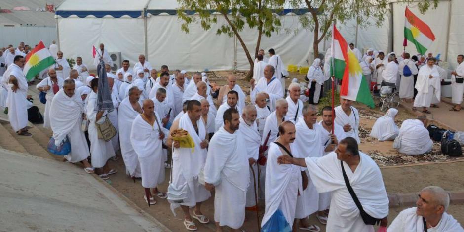 60 حاجا من أبناء وزارة الري يقلعون من مطار القاهرة إلى الديار المقدسة