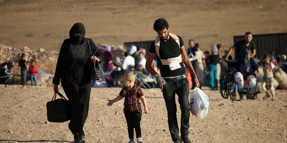 """""""المصالحة الروسى"""" يقدم مساعدات إنسانية للاجئين في ريف حمص السوية"""