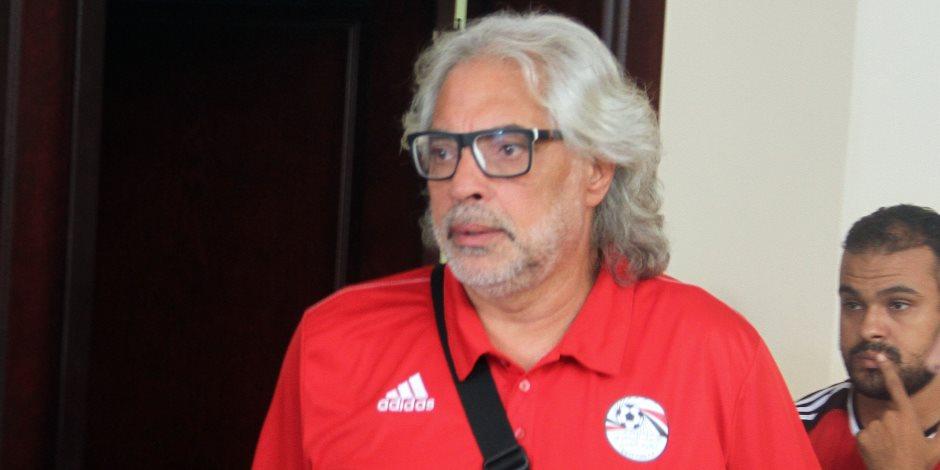مدرب حراس مرمى المنتخب الوطني يثنى على أداء «الشناوي و عواد»