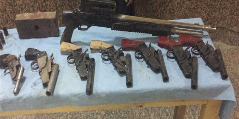ضبط 59 سلاحا ناريا خلال حملة أمنية لمباحث العاصمة