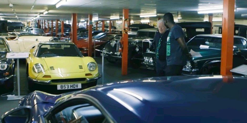 """ثرى بريطانى يقتنى 350 سيارة كلاسيكية بقيمة 40 مليون جنيه إسترلينى """"فيديو"""""""