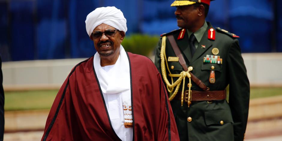 عمر البشير يعفي وزير الخارجية السوداني من منصبه