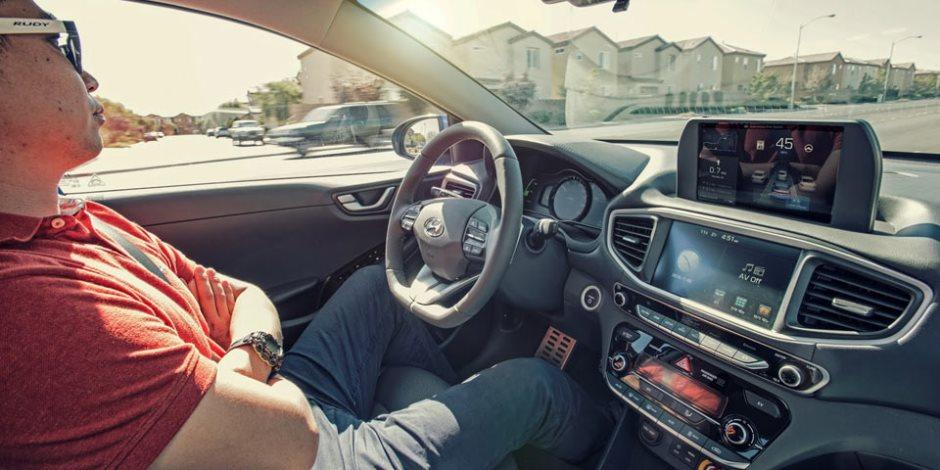 لعشاق النوم في السيارات.. كيف تصنع 15 دقيقة من الاهتزاز النعاس؟