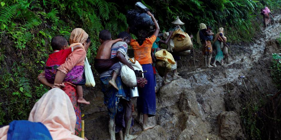 نقل لاجئي الروهينجا لمخيم جديد ببنجلادش