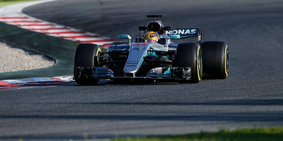 انضمام الإسباني كارلوس ساينز لفريق رينو بالموسم المقبل لسباقات الفورمولا1