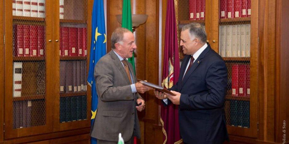 صفعة على وجه المتأمرين.. السفير الإيطالي يعود للقاهرة (صور)