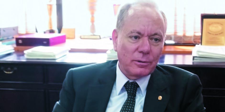 منير الزاهد رئيس بنك القاهرة: لـ«ملحق بنوك صوت الأمة».. الاقتصاد المصرى سيشهد تحسنا فى مؤشرات نمو الناتج المحلى الإجمالى بحلول عام 2018