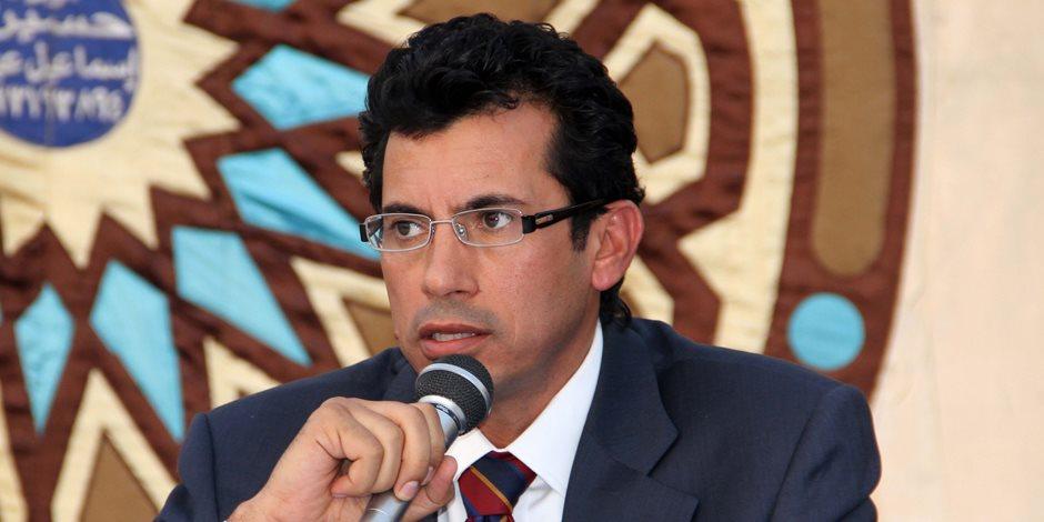 وما زال الفساد مستمرا.. متى يستطيع وزير الشباب حل اتحاد الكرة؟