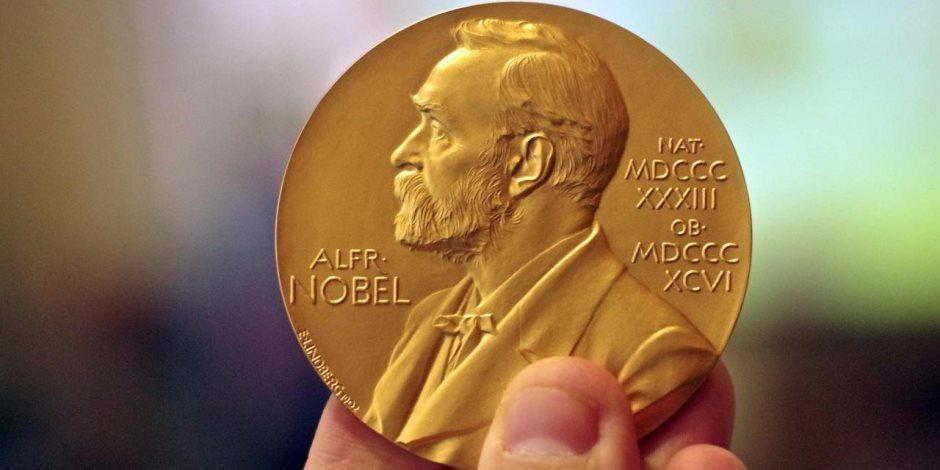 فوز 3 علماء بجائزة نوبل في الكيمياء لعام 2017