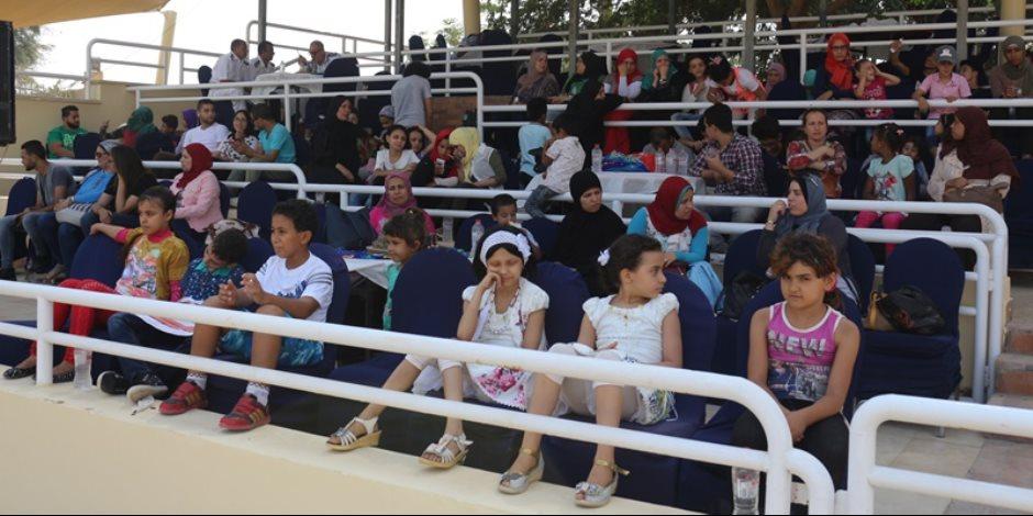 """""""ثلث سكان مصر عيال"""".. كيف تستفيد أم الدنيا من 32 مليون طفل؟"""