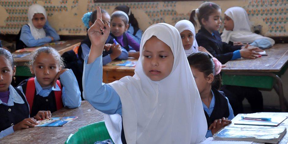 الحل السريع لأزمة كل عام.. كيف تؤهلين طفلك للعودة إلى المدارس؟ (فيديو جراف)
