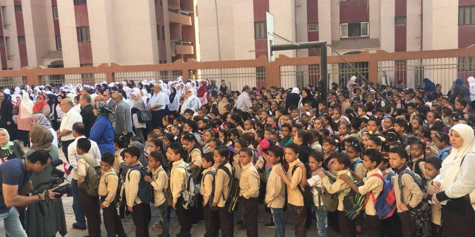 وزيرا التعليم والإنتاج الحربي والمحافظ يشاركون بطابور الصباح في مدرسة «تحيا مصر» بالأسمرات
