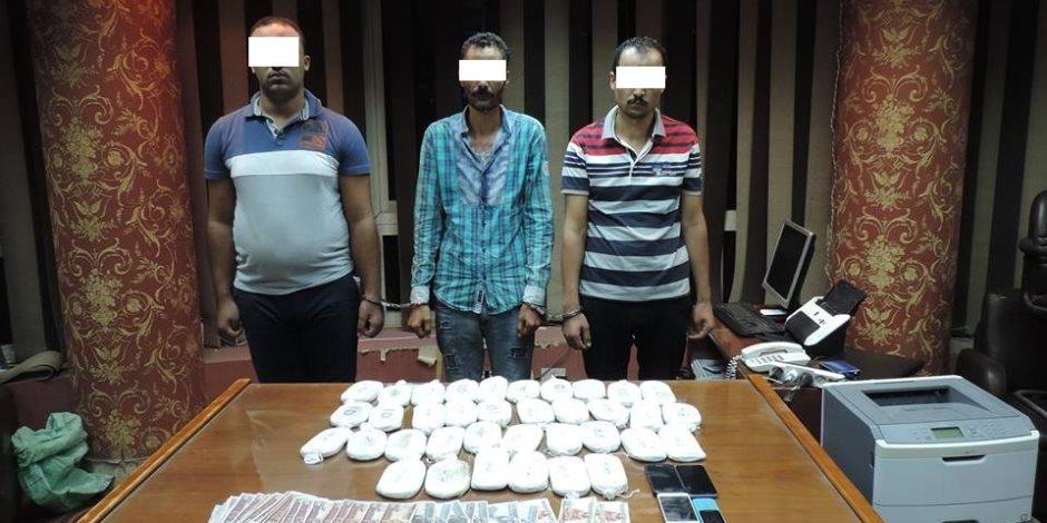 ضبط 3 أشخاص وبحوزتهم 36 طربة حشيش ببورسعيد