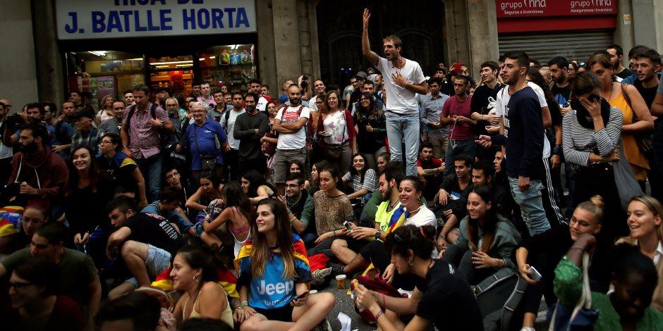 بسبب انفصال كتالونيا.. الأفواج السياحية على أبواب مصر