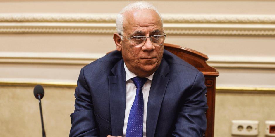محافظ بورسعيد يكرم حسام حسن ولاعبي النادي المصري