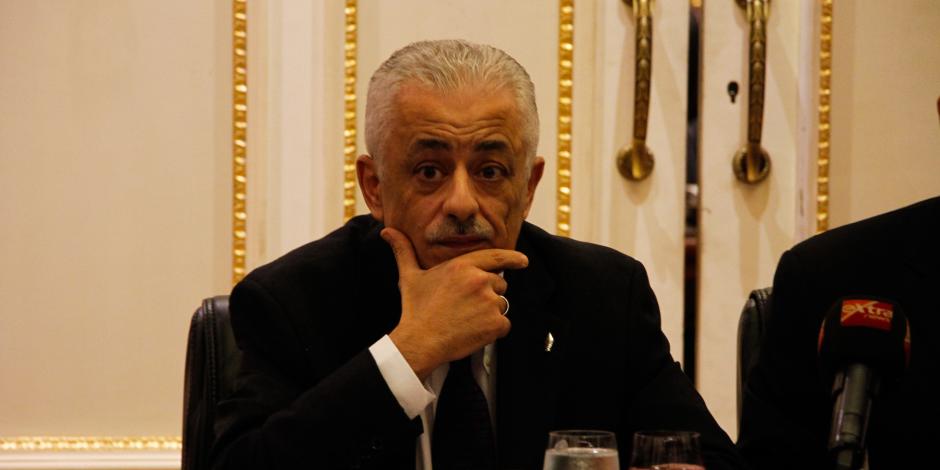 """""""غارق في المشاكل"""".. وزير التربية والتعيم قرر عدم التجديد لرئيس هيئة محو الأمية"""