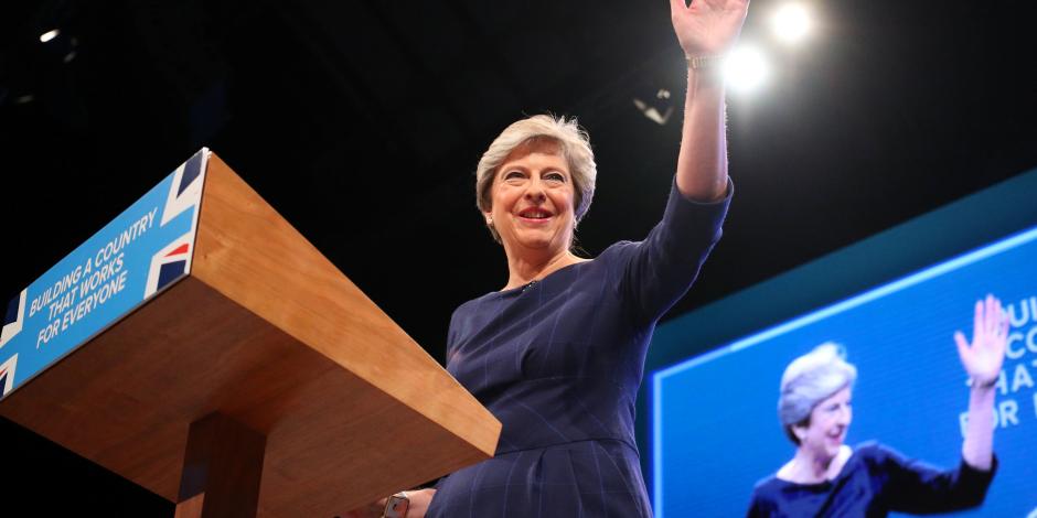 """""""فضايح بالكوم"""".. تحرش ولقاءات سرية تهدد وزراء الحكومة البريطانية"""