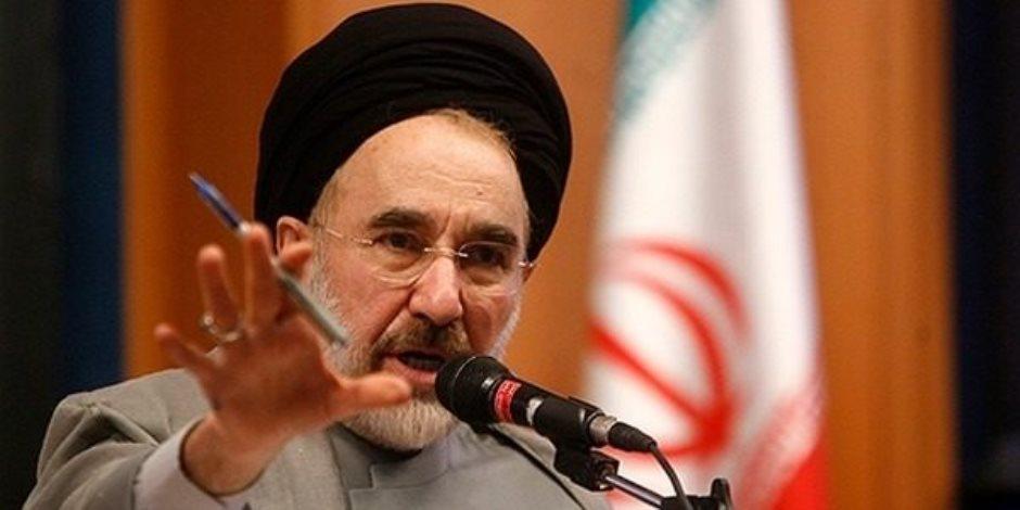 إيران توقف التعامل بالدولار في تعاملاتها التجارية