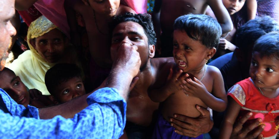 وفاة 5 من الروهينجا بعد غرق سفينتهم في أحد أنهار بنجلاديش