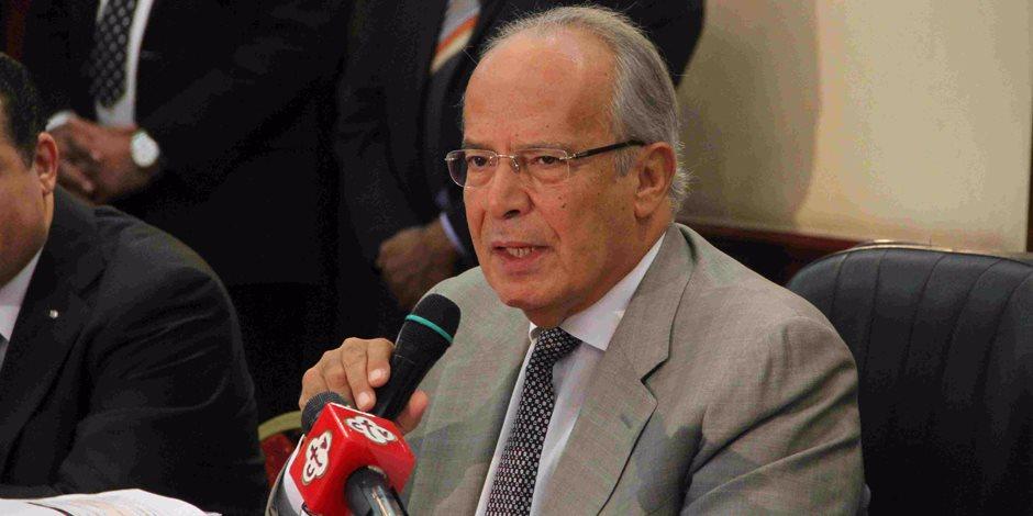 وزير التنمية المحلية يتفقد جامعة سوهاج الجديدة وقاعة قناة السويس